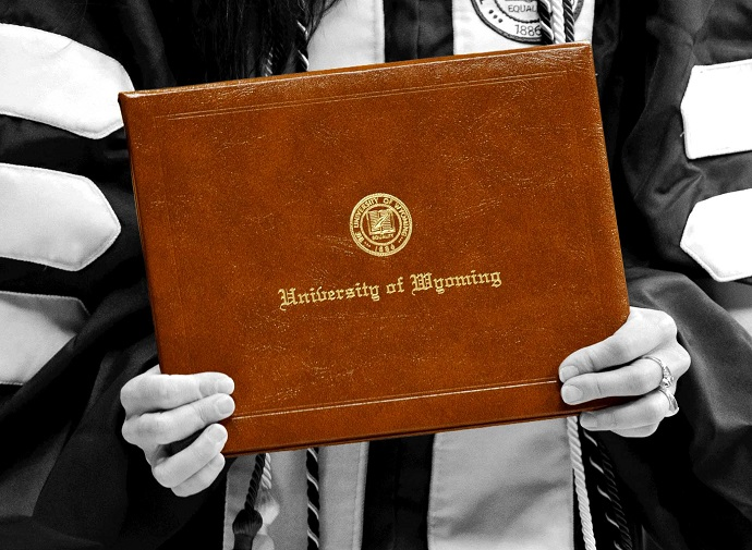 Non-Resident First-Time Student Scholarships | Admissions
