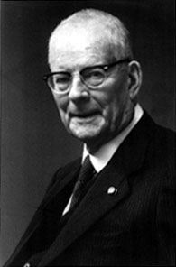 "william edwards deming total quality William edwards deming known  ""deming's 14 key principles to managers for transforming business effectiveness  the concept of management and total quality."