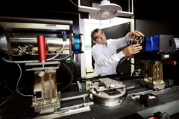 UW Leads in Energy Research with Micro Imaging Instrument