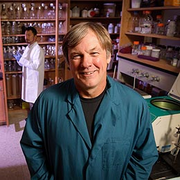 UW Professor and Former Student Receive $1 Million Grant to Start Biotechnology Business