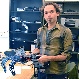 UW Doctoral Student Researches How Robots Learn General Skills