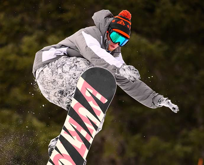 Picture of someone snowboarding