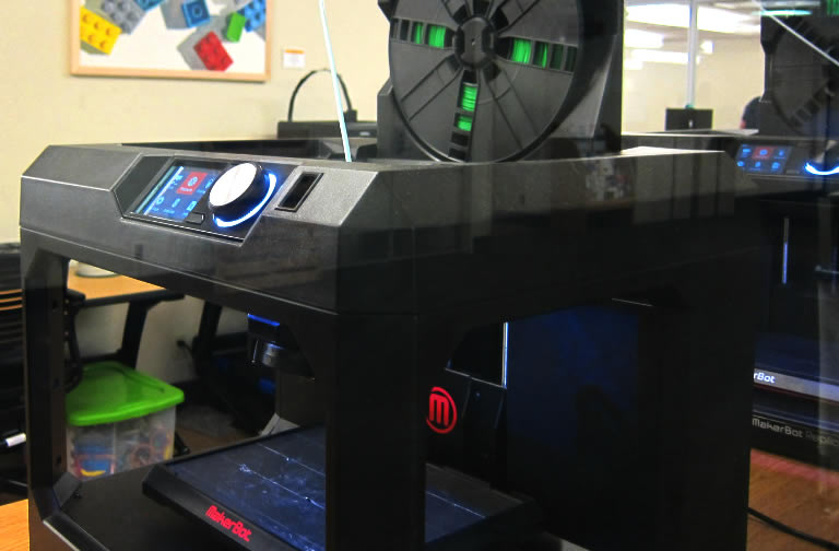 photo of 3-d printer in action